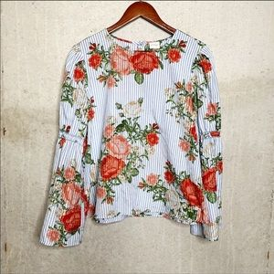 Cupio floral flared sleeve top size large